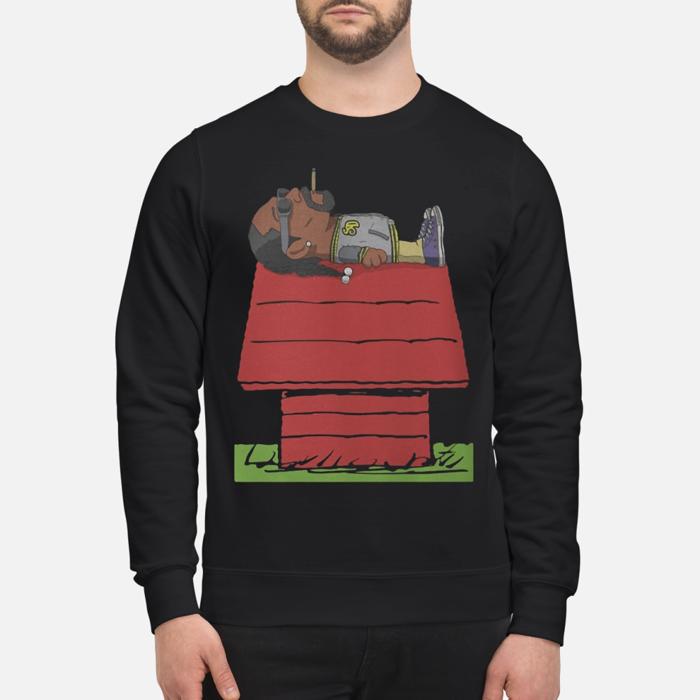 Snoop Dogg located on shirt sweater