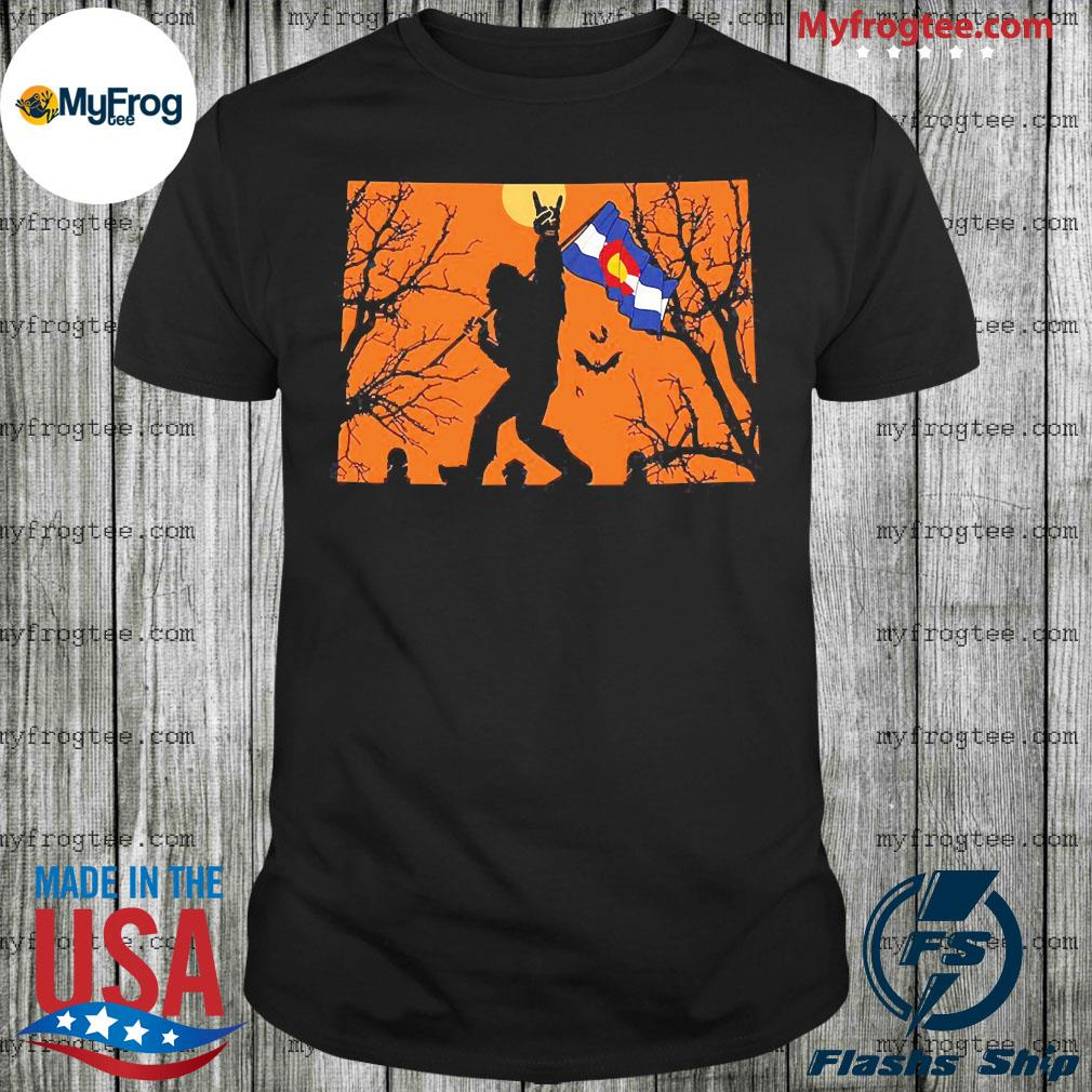 Bigfoot flag Colorado Halloween shirt