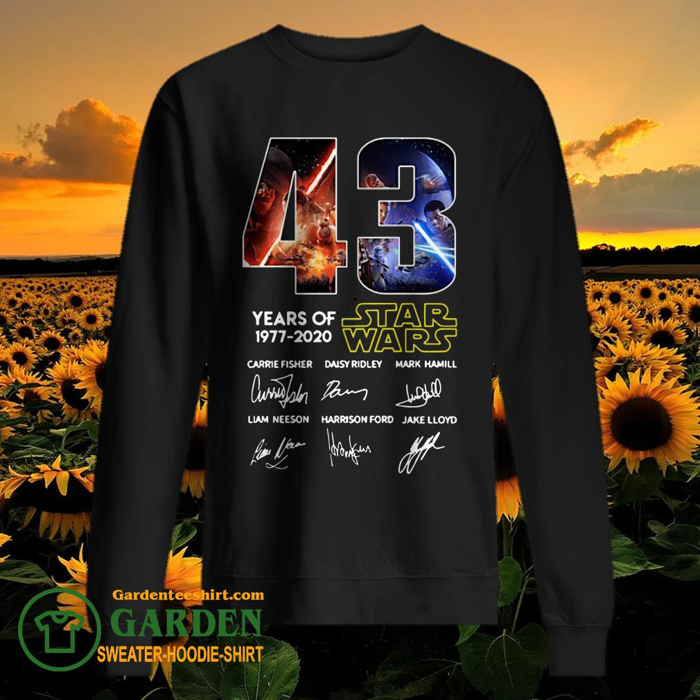 43 Years of Star Wars 1977 2020 Carrie Fisher Daisy Ridley Mark Hamill Liam Neeson Harrison Ford Jake Lloyd signatures sweater