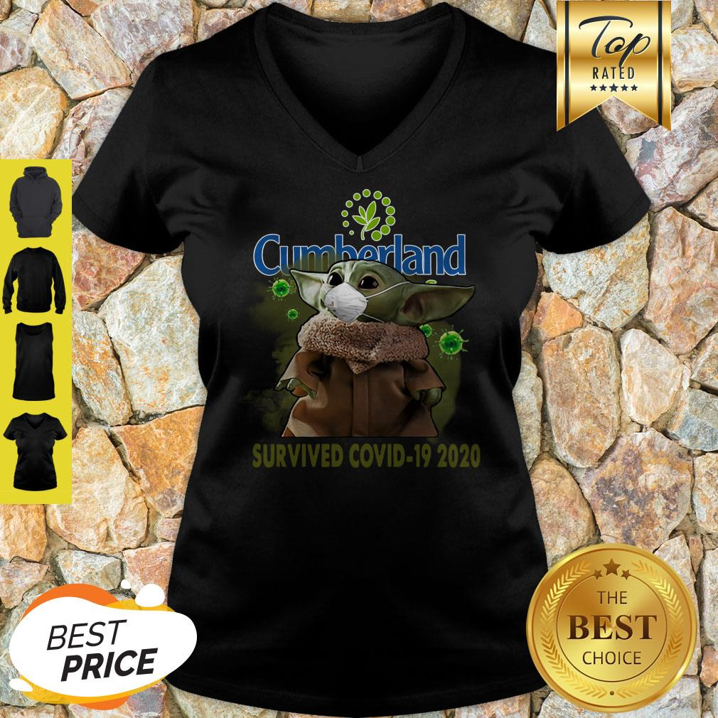 Nice Baby Yoda Cumberland Farms Survived Covid-19 2020 V-neck