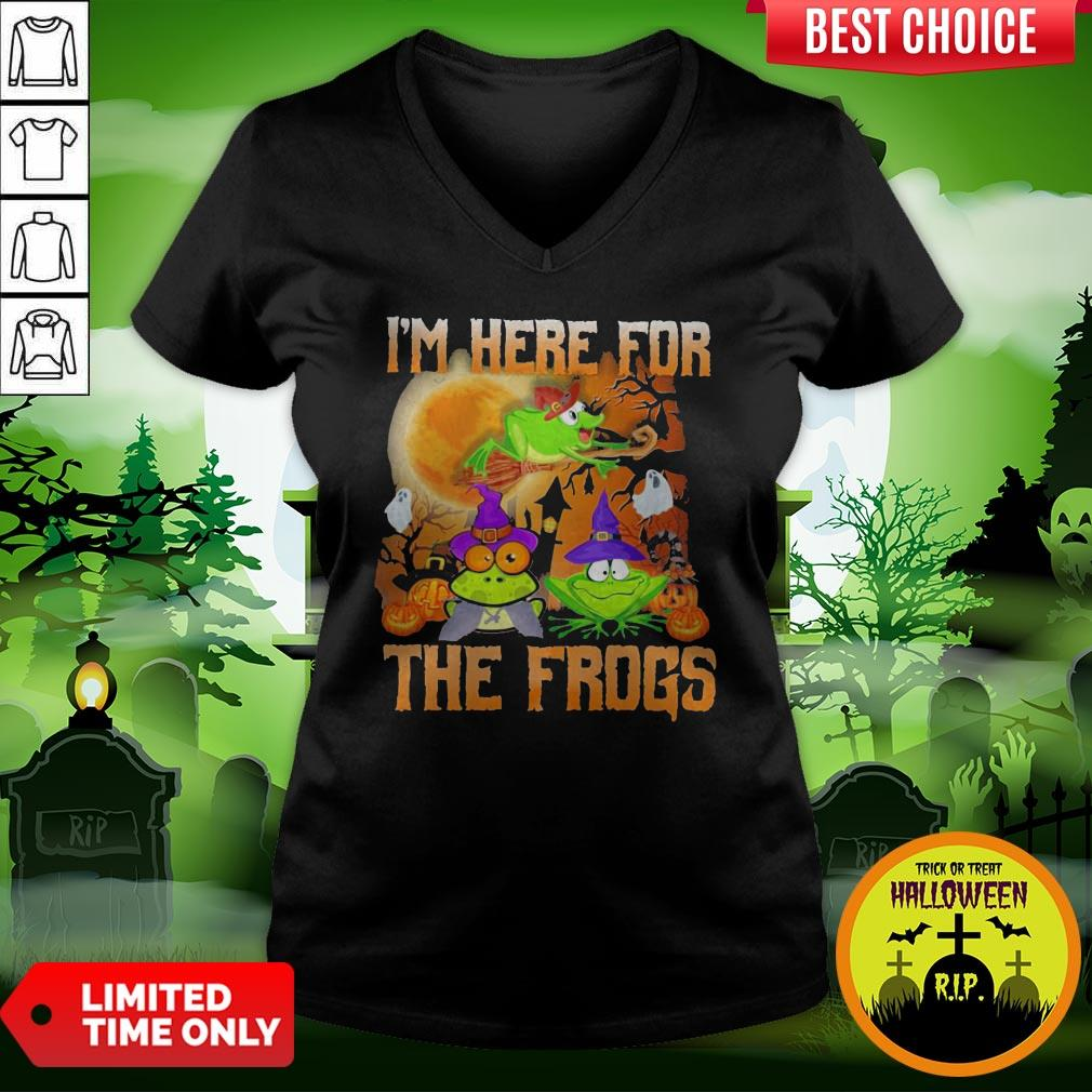 Perfect I'm Here For The Frogs Halloween V-neck