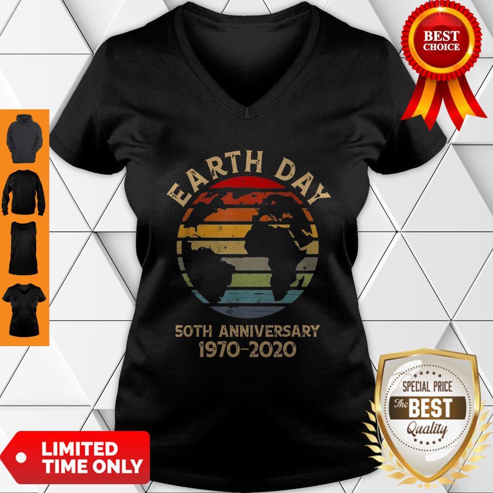 Nice Earth Day 50th Anniversary 1970 Retro Sunset Retro V-neck
